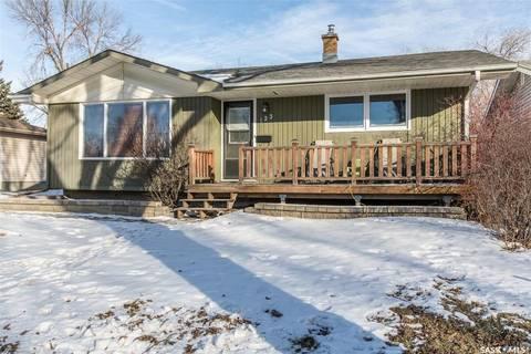 House for sale at 123 Glencairn Rd Regina Saskatchewan - MLS: SK799396
