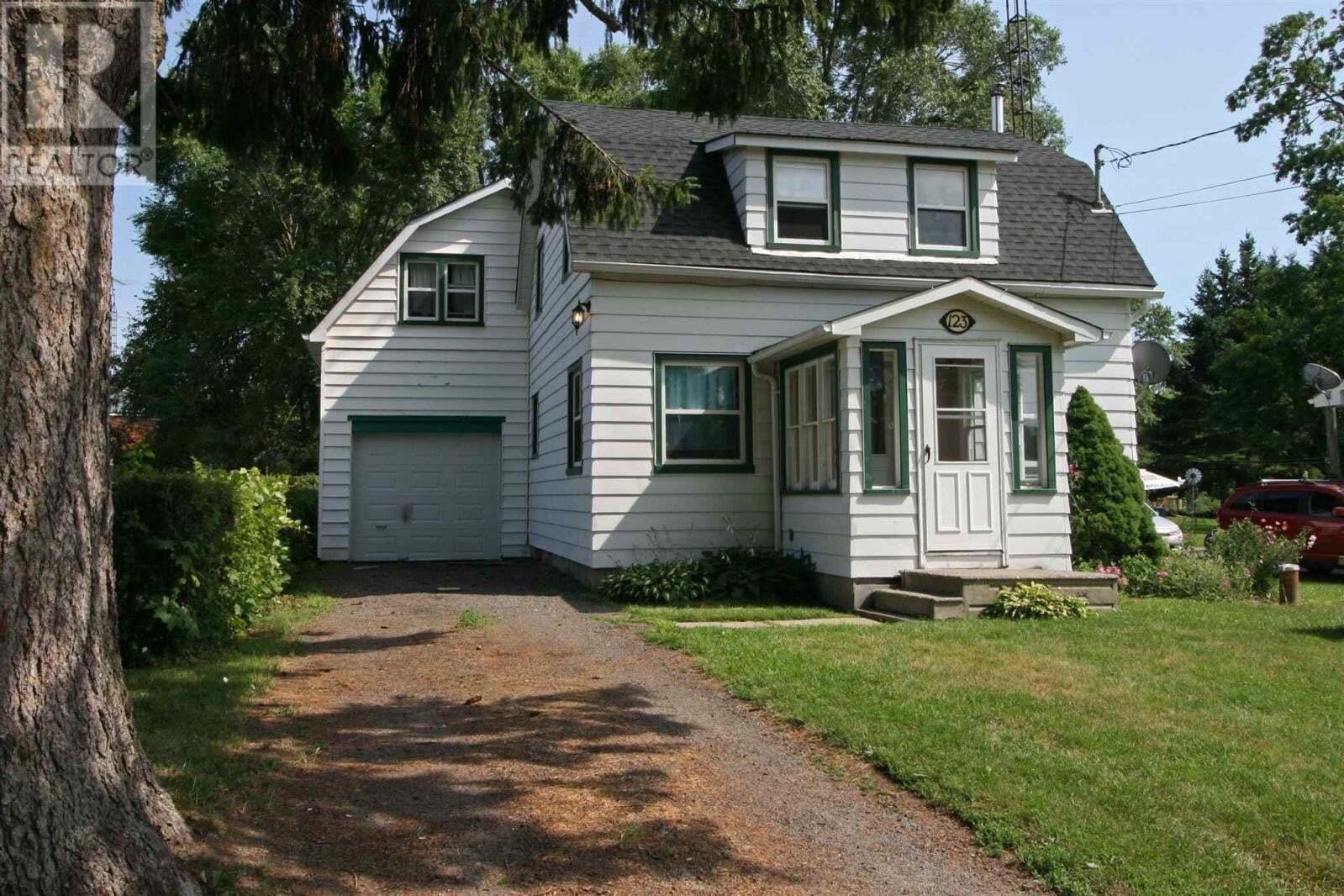 House for sale at 123 Hellen St Seeleys Bay Ontario - MLS: K20004100