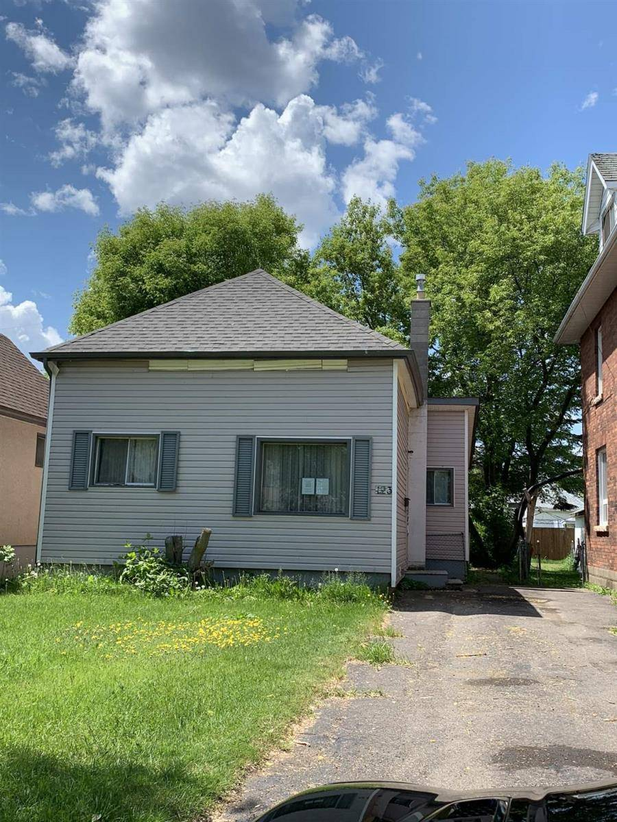 House for sale at 123 Marks St N Thunder Bay Ontario - MLS: TB192142