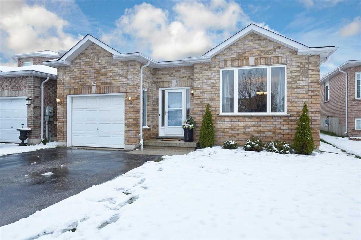 For Sale: 123 Monique Crescent, Barrie, ON | 3 Bed, 2 Bath House for $630000.00. See 22 photos!