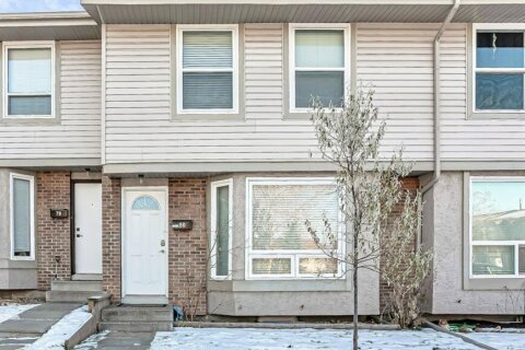 Townhouse for sale at 123 Queensland  Dr SE Calgary Alberta - MLS: A1051877