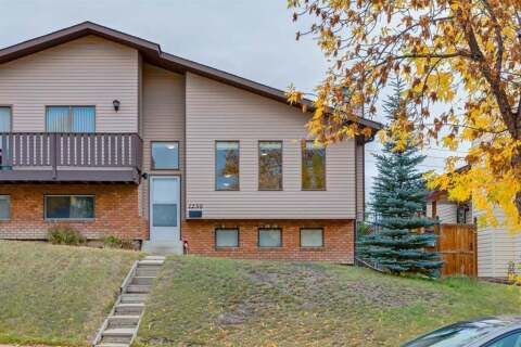 Townhouse for sale at 1230 Berkley Dr NW Calgary Alberta - MLS: A1016122