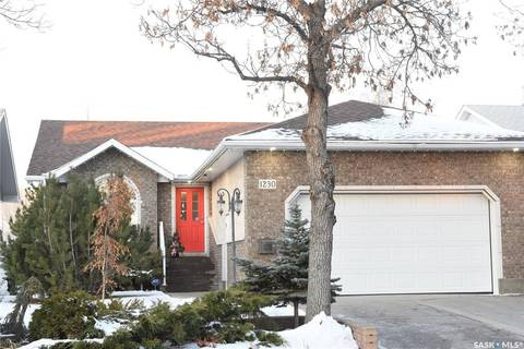 House for sale at 1230 Dover Ave Regina Saskatchewan - MLS: SK793575