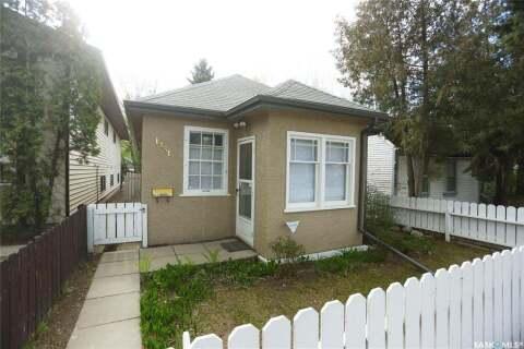 House for sale at 1231 D Ave N Saskatoon Saskatchewan - MLS: SK804106