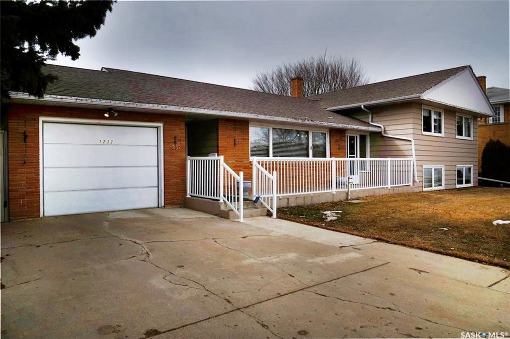 For Sale: 1232 7th Avenue North West, Moose Jaw, SK   3 Bed, 2 Bath House for $339,900. See 38 photos!