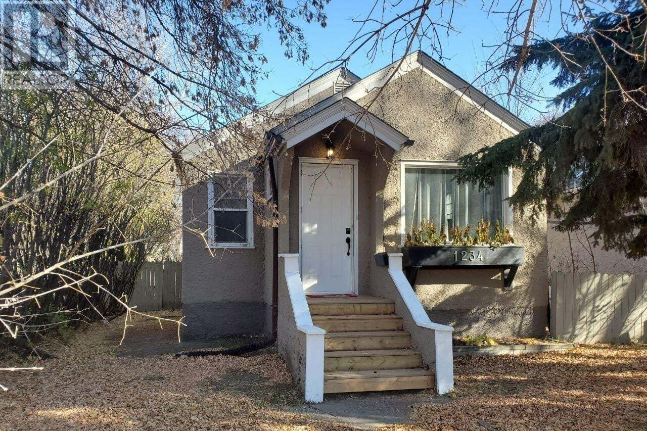 House for sale at 1234 E Ave N Saskatoon Saskatchewan - MLS: SK828452