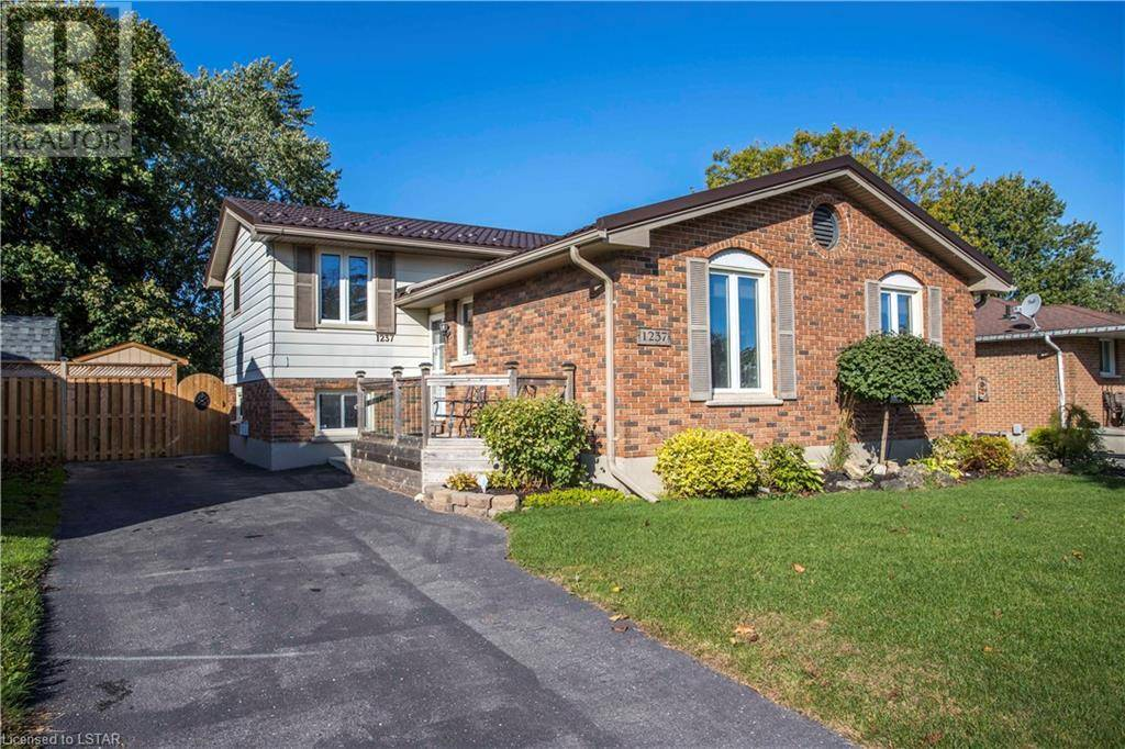 House for sale at 1237 Ernest Ave London Ontario - MLS: 227207