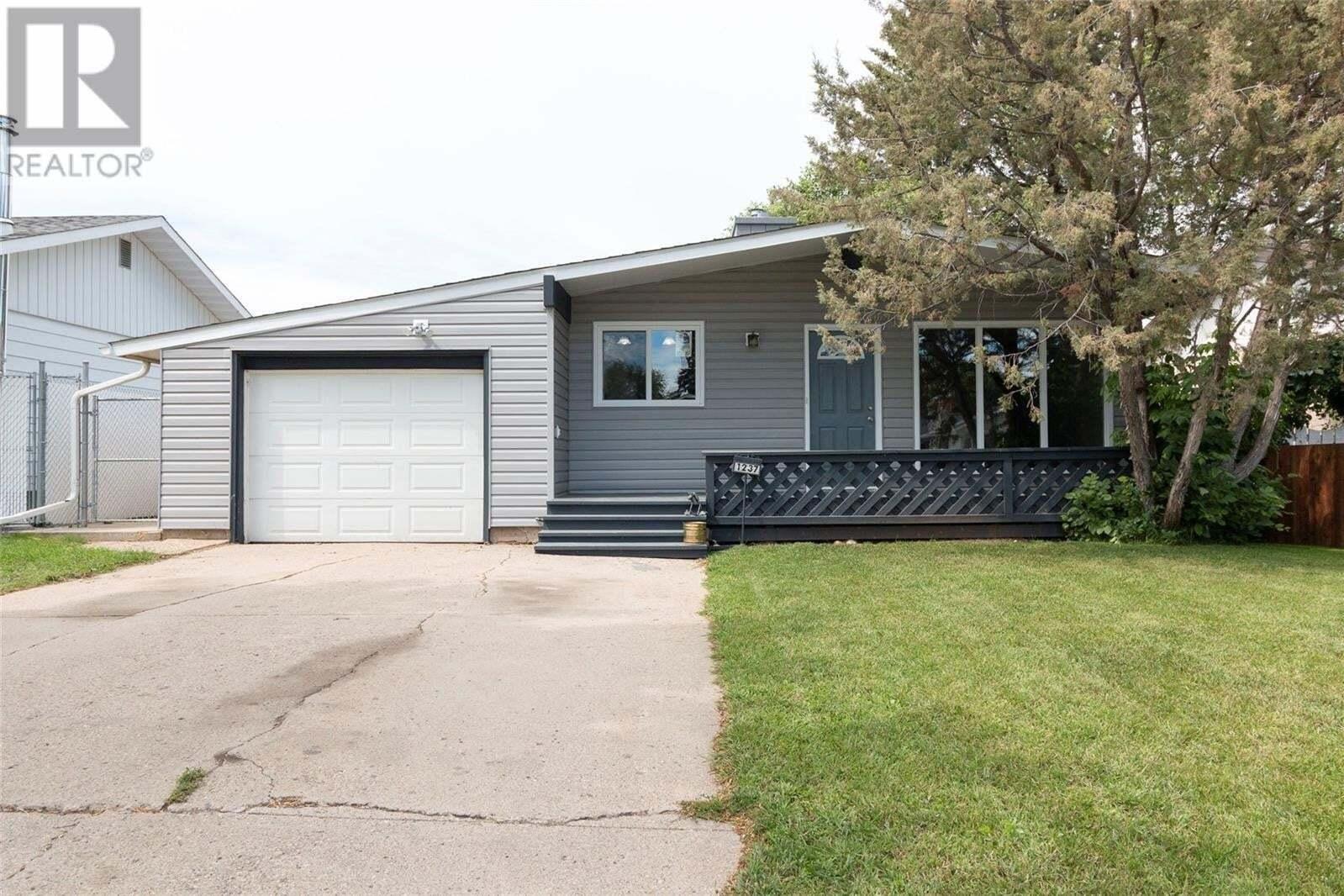 House for sale at 1237 Mcnaughton Ave Saskatoon Saskatchewan - MLS: SK826859