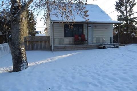 House for sale at 1237 Regal Cres Northeast Calgary Alberta - MLS: C4288802