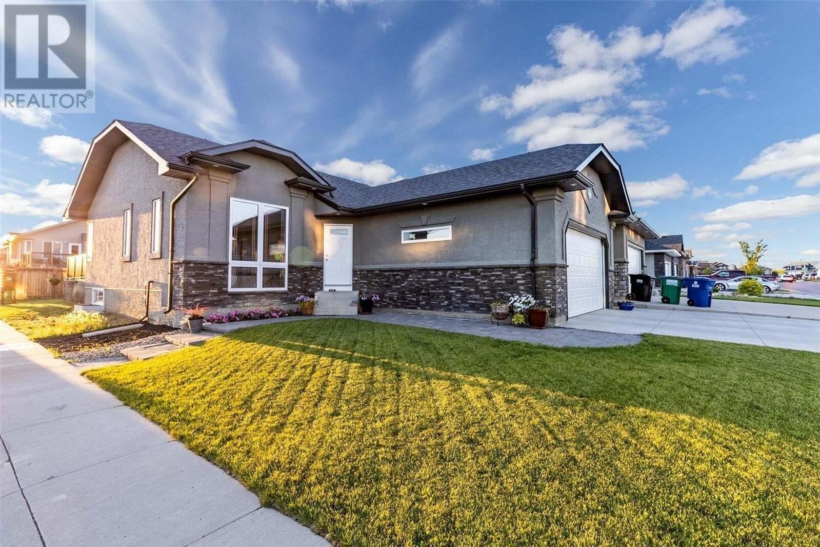 House for sale at 1239 Rempel Cres Saskatoon Saskatchewan - MLS: SK815136