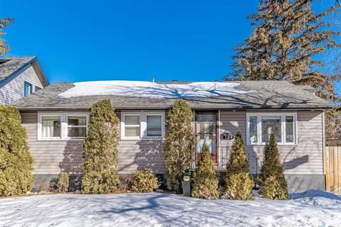 House for sale at 124 109th St W Saskatoon Saskatchewan - MLS: SK803111