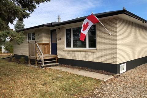 House for sale at 124 3rd St NE Ituna Saskatchewan - MLS: SK788932