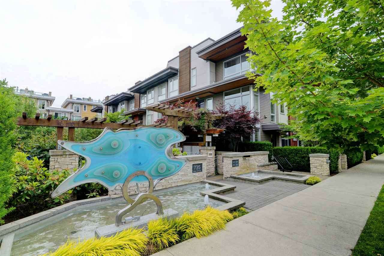 Buliding: 735 West 15th Street, North Vancouver, BC
