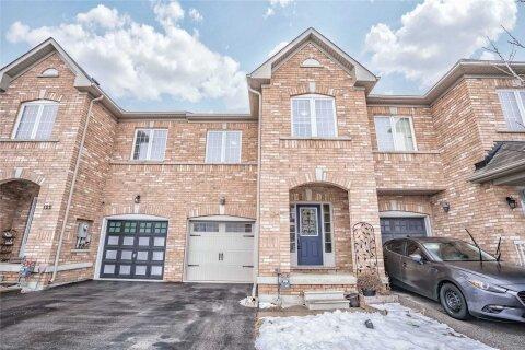 Townhouse for sale at 124 Frenchpark Circ Brampton Ontario - MLS: W5085199