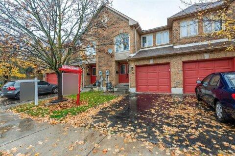 Townhouse for sale at 124 Kenwood Dr Brampton Ontario - MLS: W4969978