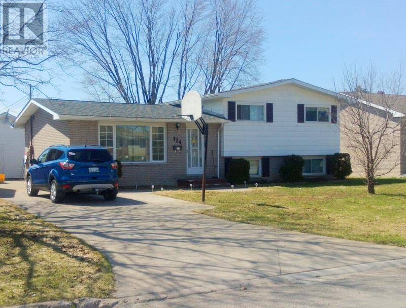 House for sale at 124 Lasalle Ct E Sault Ste. Marie Ontario - MLS: SM127759