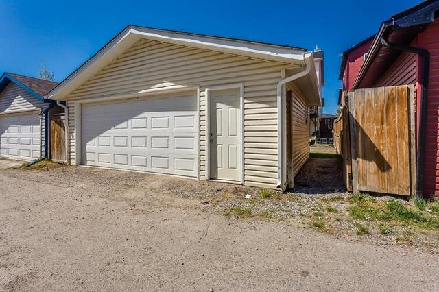 For Sale: 124 Sagewood Grove Southwest, Airdrie, AB   4 Bed, 3 Bath House for $389,700. See 43 photos!