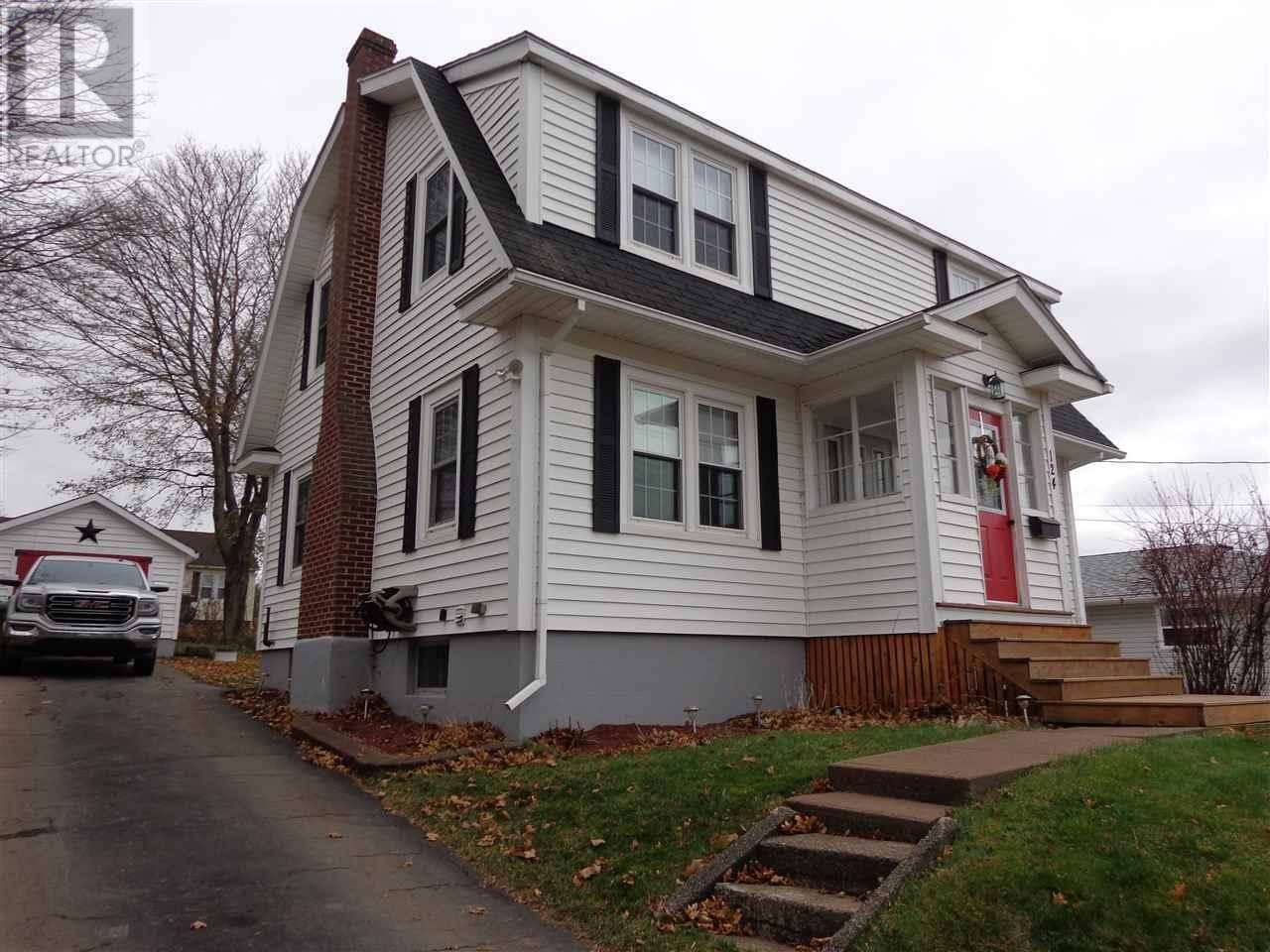 House for sale at 124 Sanborne St New Glasgow Nova Scotia - MLS: 201926185