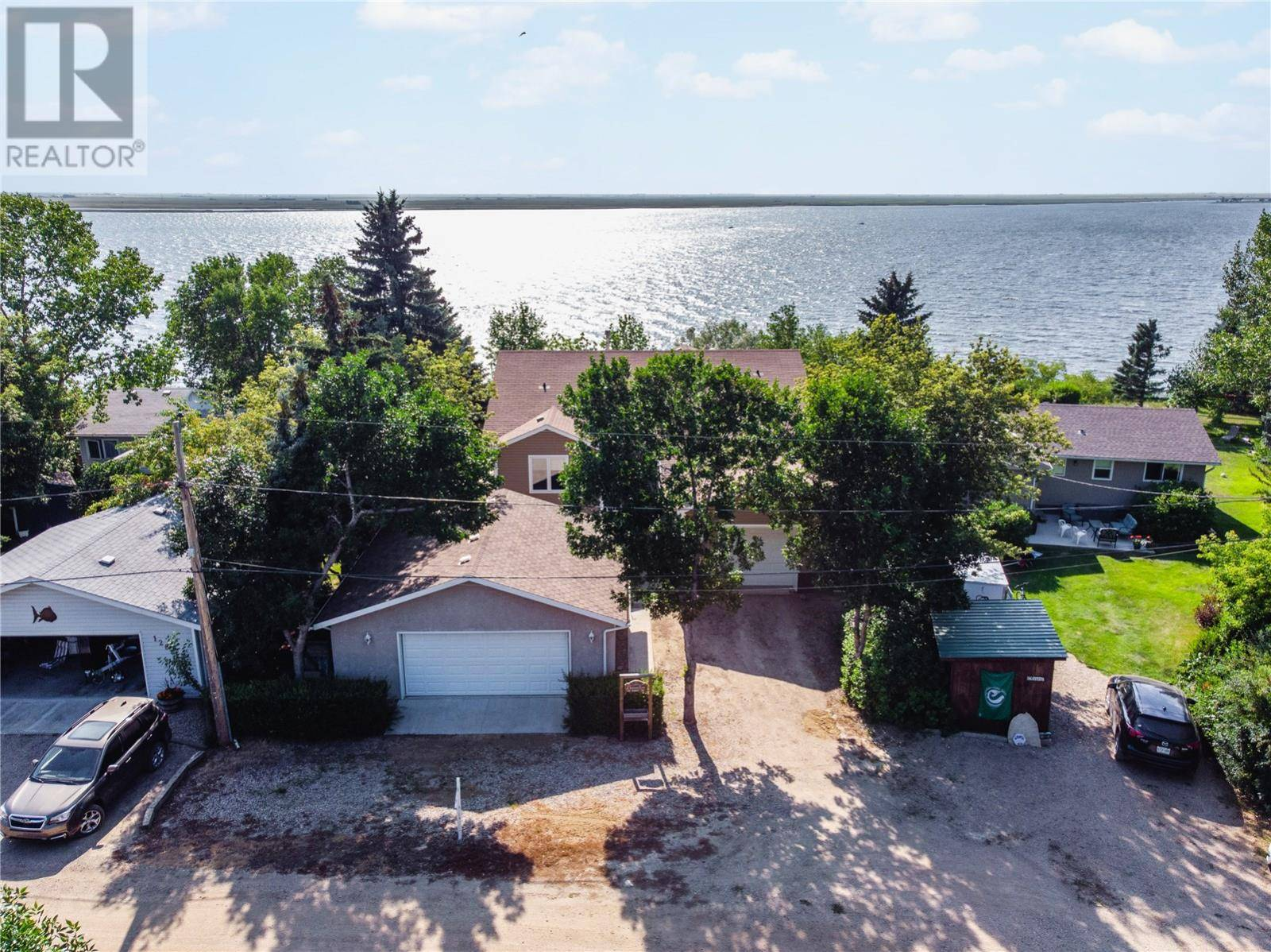 124 Sunset Drive, Island View | Image 1
