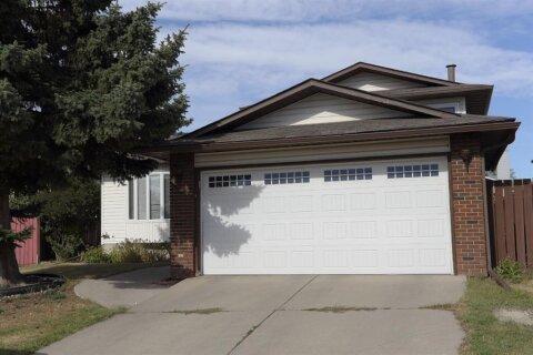 House for sale at 124 Whiteram Cs NE Calgary Alberta - MLS: A1030480