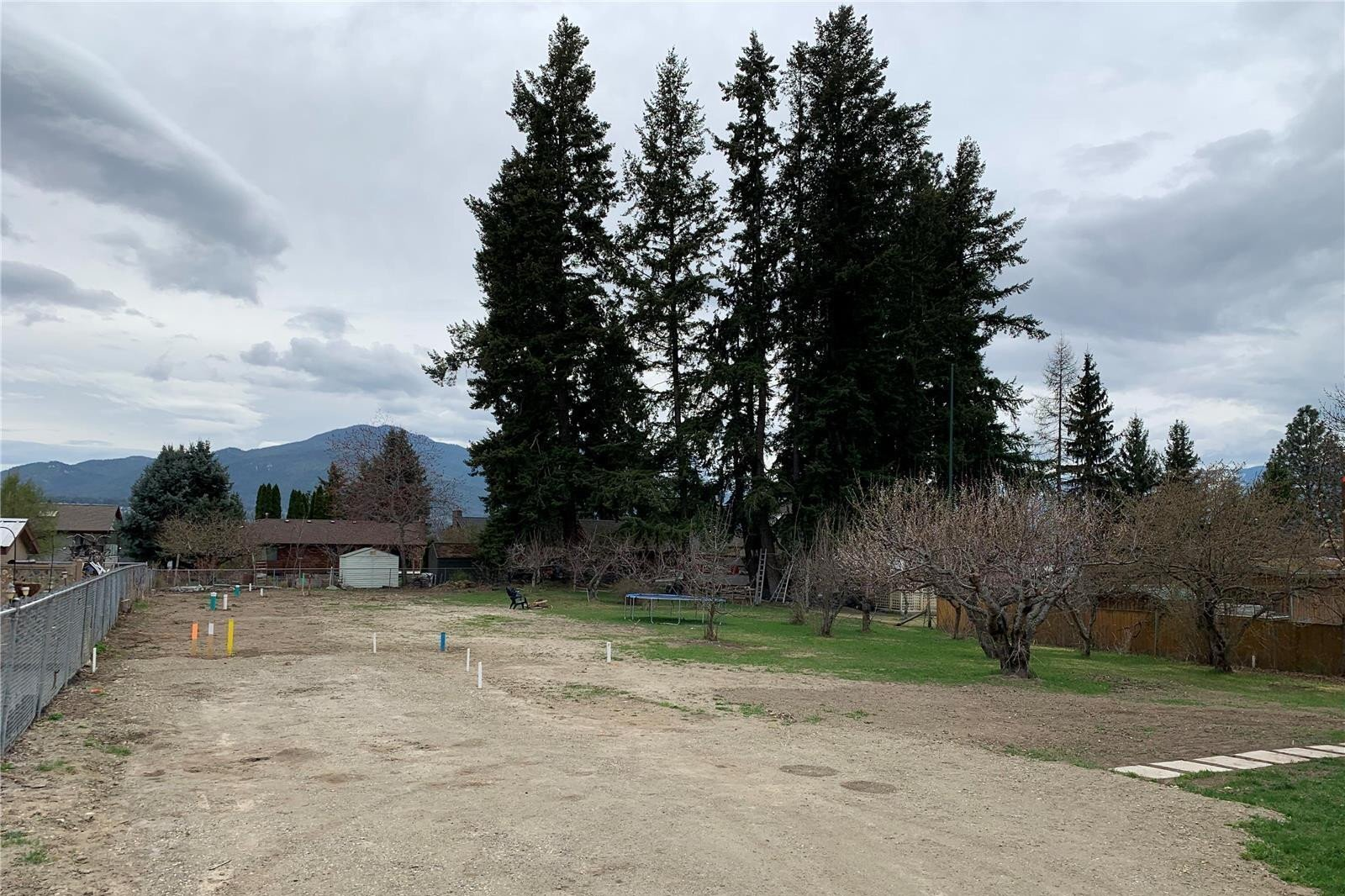 Residential property for sale at 1240 52 Ave Northeast Salmon Arm British Columbia - MLS: 10202951