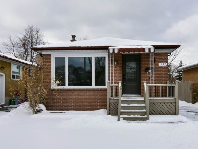For Sale: 1242 Pharmacy Avenue, Toronto, ON | 3 Bed, 2 Bath House for $819,000. See 19 photos!