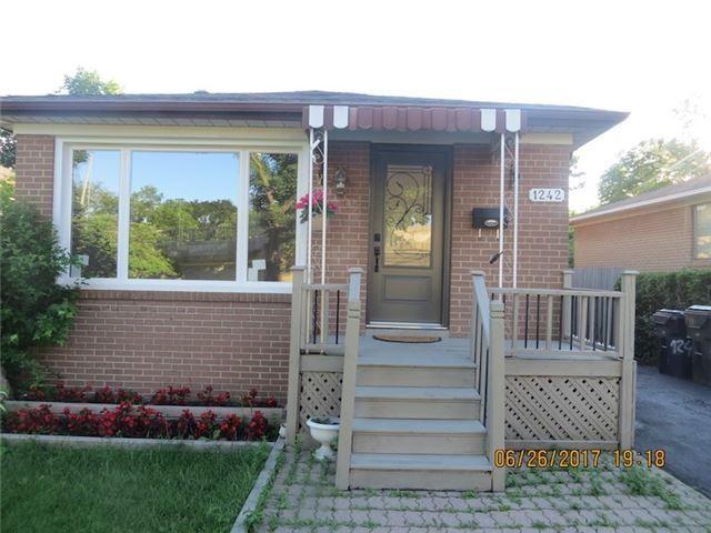 Sold: 1242 Pharmacy Avenue, Toronto, ON