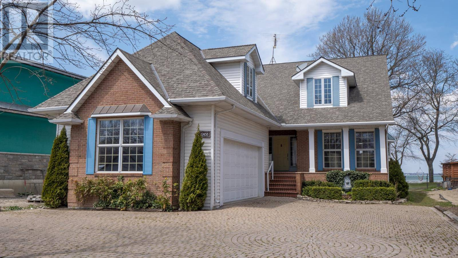 House for sale at 12438 Riverside Dr East Tecumseh Ontario - MLS: 20004763