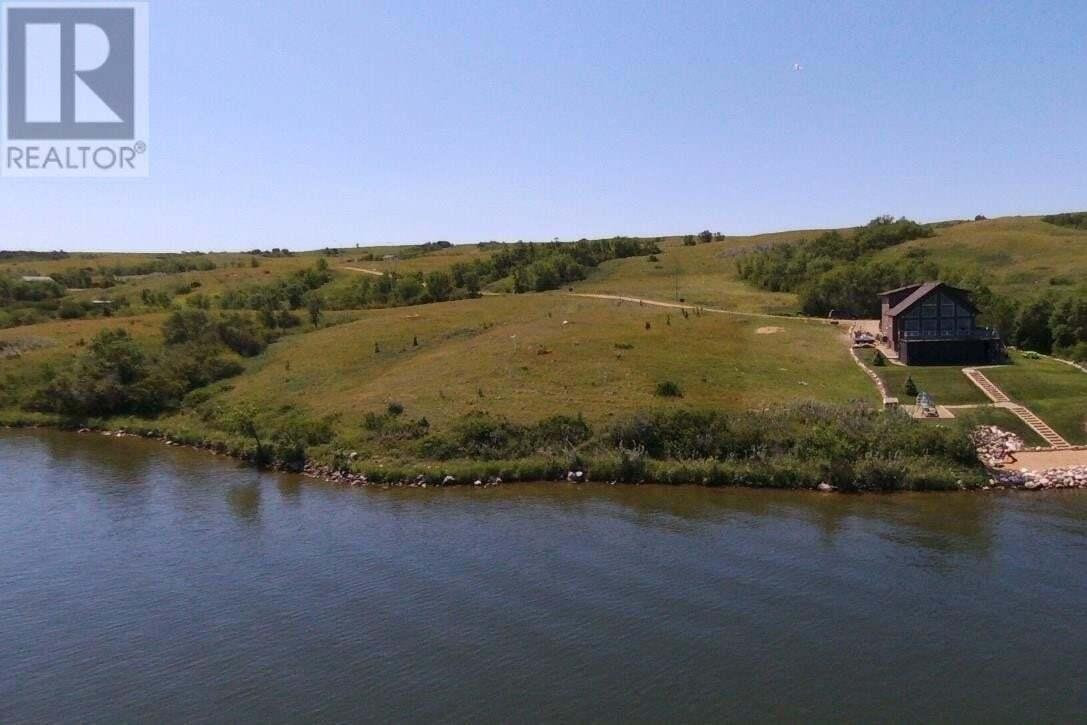 Home for sale at 1244 Tatanka Dr Buffalo Pound Lake Saskatchewan - MLS: SK815480