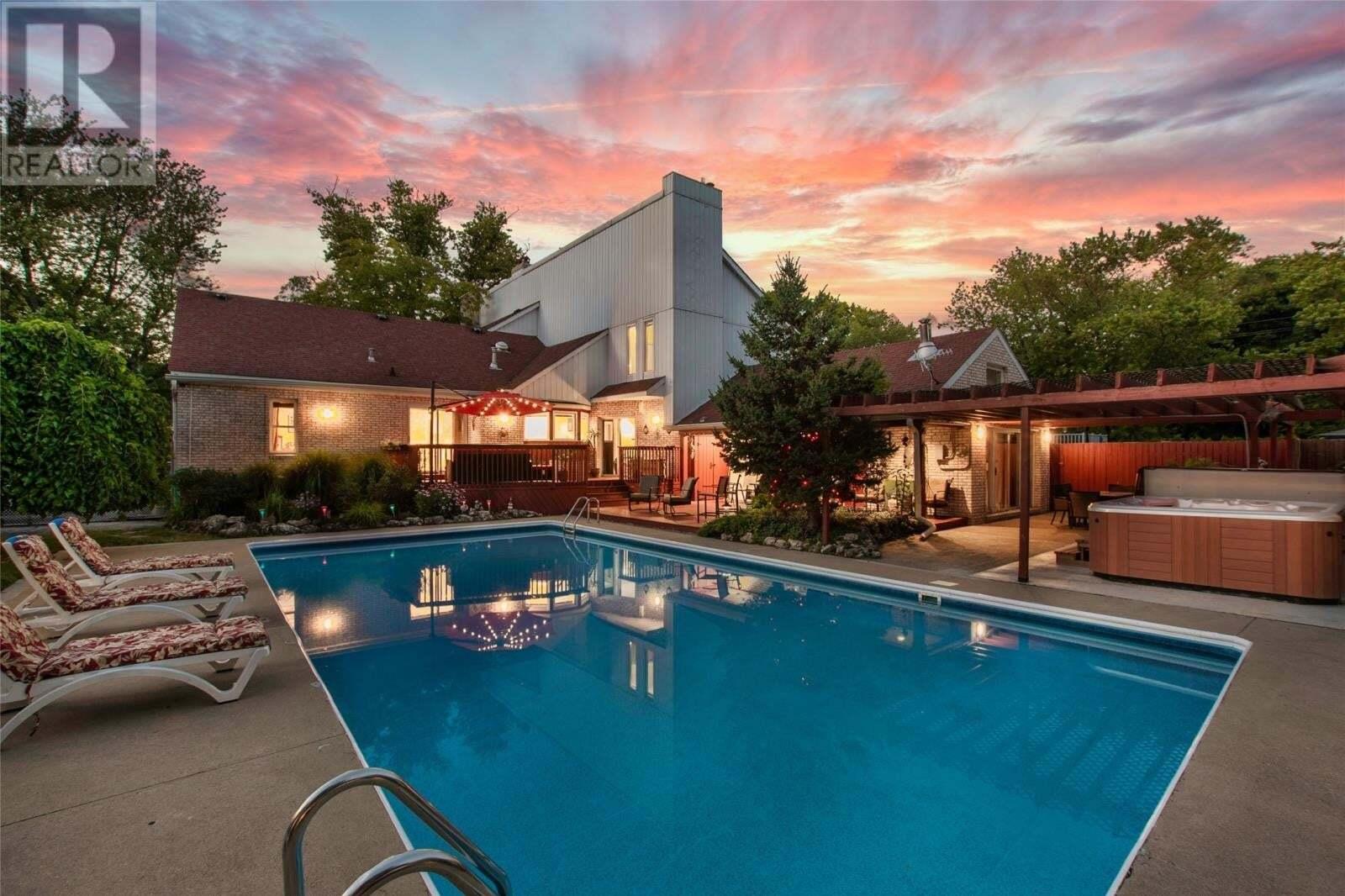 House for sale at 12487 Riverside  Tecumseh Ontario - MLS: 20009118