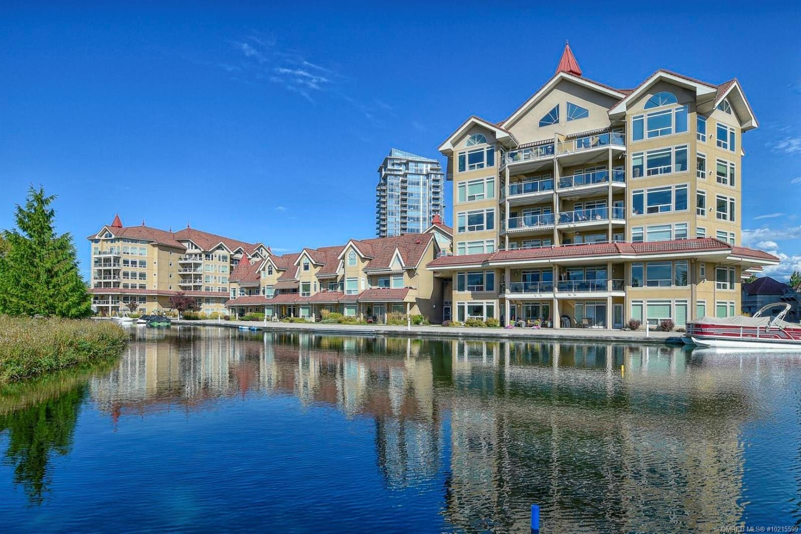 Townhouse for sale at 1088 Sunset Dr Unit 125 Kelowna British Columbia - MLS: 10215599
