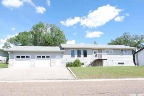 House for sale at 125 3rd St W Coronach Saskatchewan - MLS: SK813993