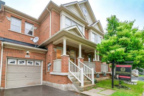 Townhouse for sale at 125 Holmes Cres Milton Ontario - MLS: W4494545