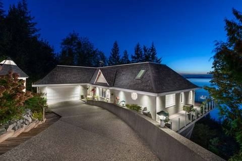 House for sale at 125 Kelvin Grove Wy Lions Bay British Columbia - MLS: R2314329