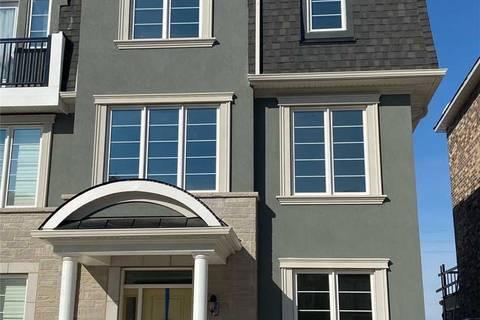 Townhouse for rent at 125 Stork St Oakville Ontario - MLS: W4694124