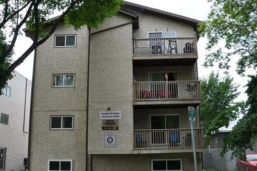 Townhouse for sale at 125 U Ave S Saskatoon Saskatchewan - MLS: SK813706