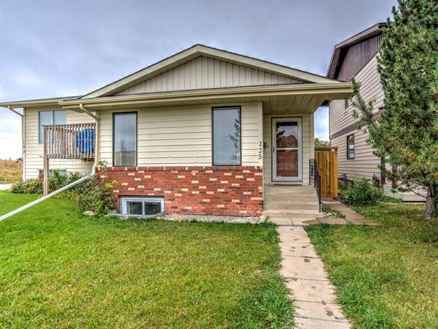 Sold: 125 Woodglen Way Southwest, Calgary, AB