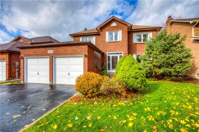 House for sale at 1250 Heathfield Crescent Oakville Ontario - MLS: W4297148