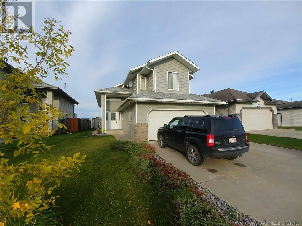 House for sale at 12506 107a St Grande Prairie Alberta - MLS: GP210199