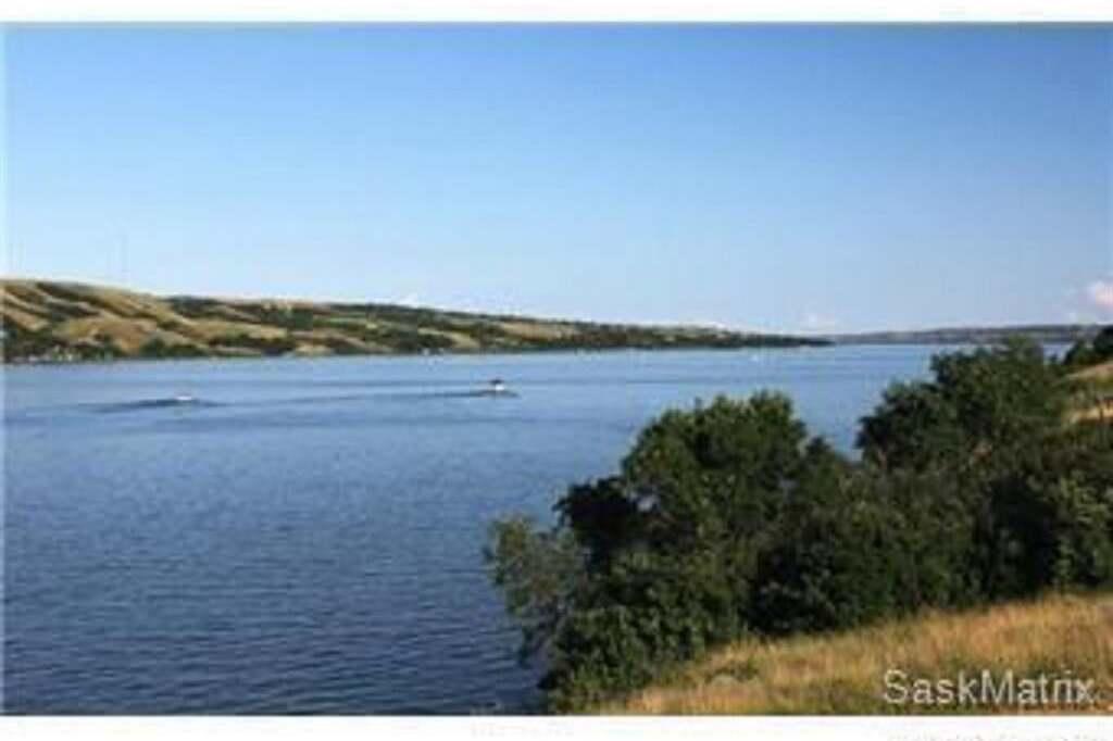 Home for sale at 1252 Tatanka Dr Buffalo Pound Lake Saskatchewan - MLS: SK809379