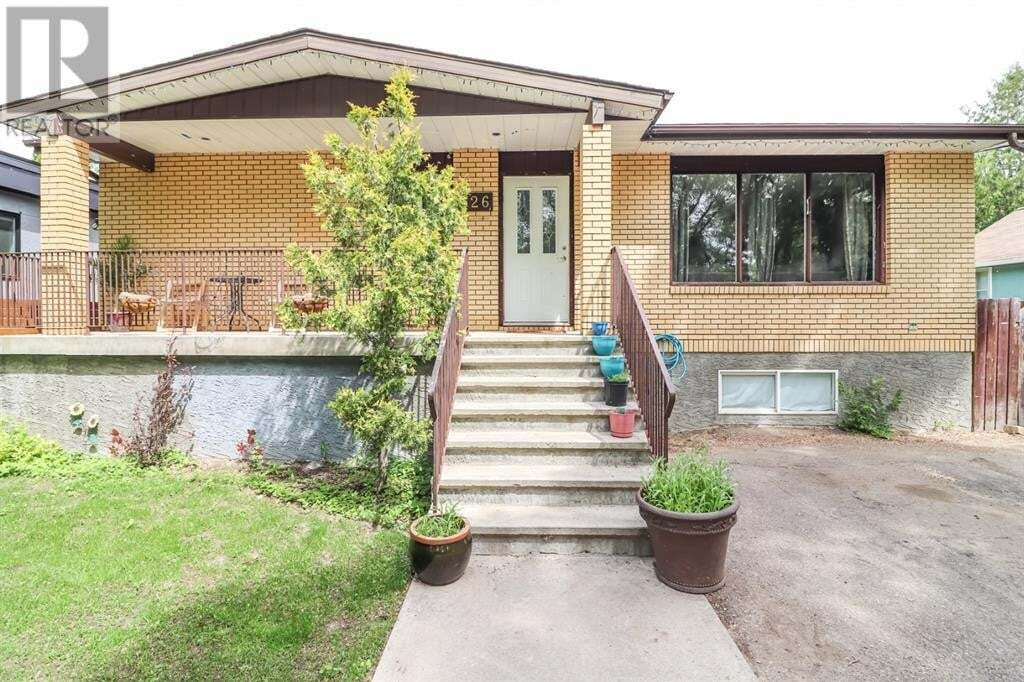 House for sale at 126 2 St Northwest Medicine Hat Alberta - MLS: A1004684