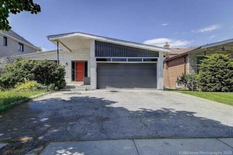 House for sale at 126 Charlton Blvd Toronto Ontario - MLS: C4813519