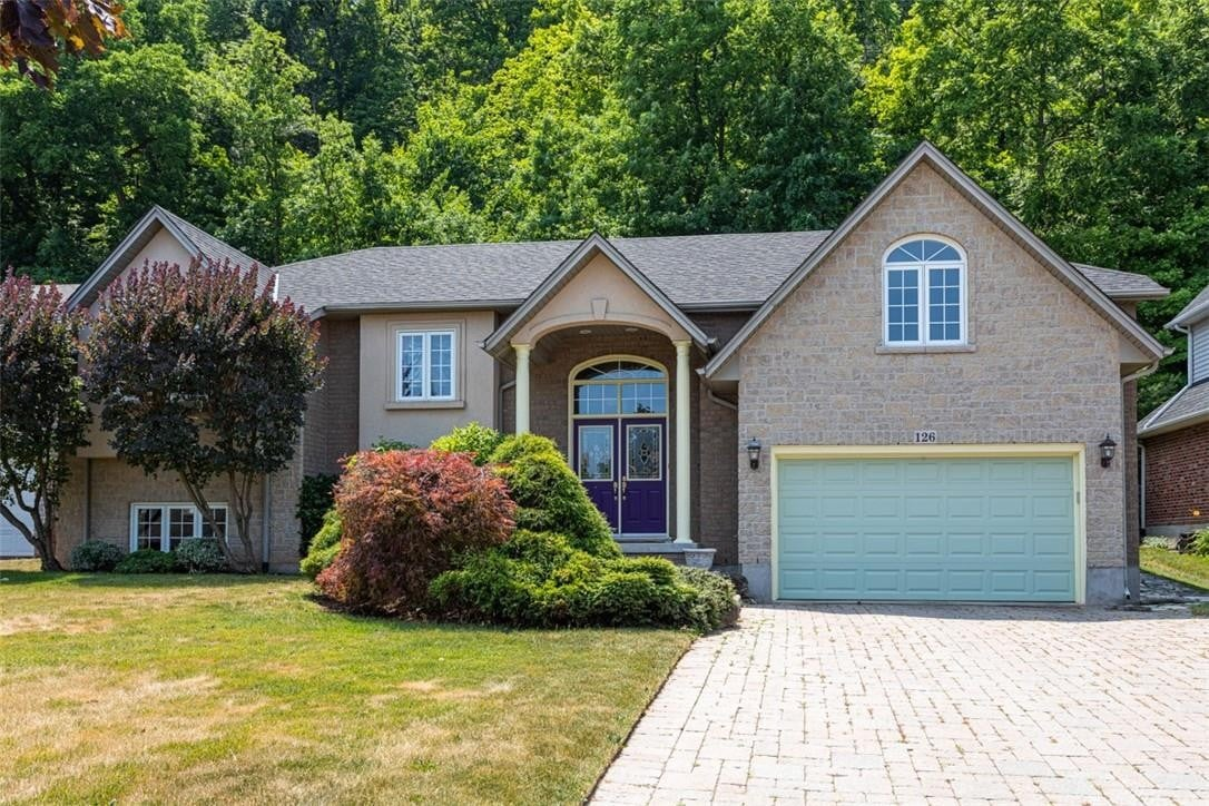 House for sale at 126 Dorchester Dr Grimsby Ontario - MLS: H4079896
