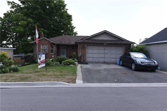 For Sale: 126 Frederick Street, Bradford West Gwillimbury, ON   3 Bed, 6 Bath House for $698,888. See 2 photos!