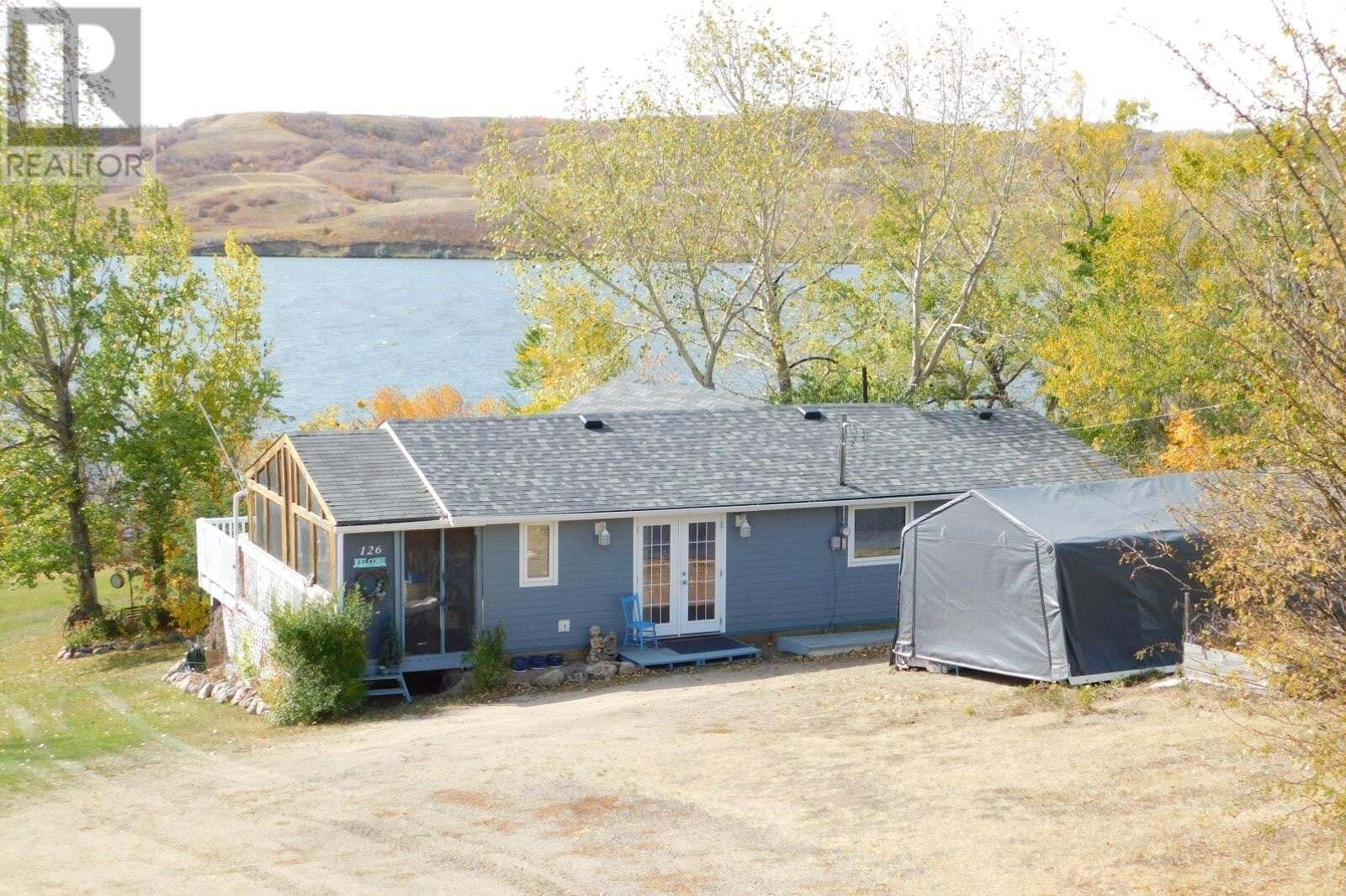 House for sale at 126 Garwell Dr Buffalo Pound Lake Saskatchewan - MLS: SK828099