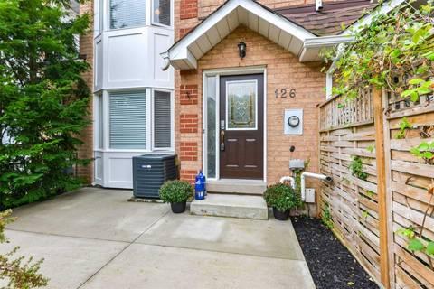 Townhouse for sale at 126 Glenashton Dr Oakville Ontario - MLS: W4566577