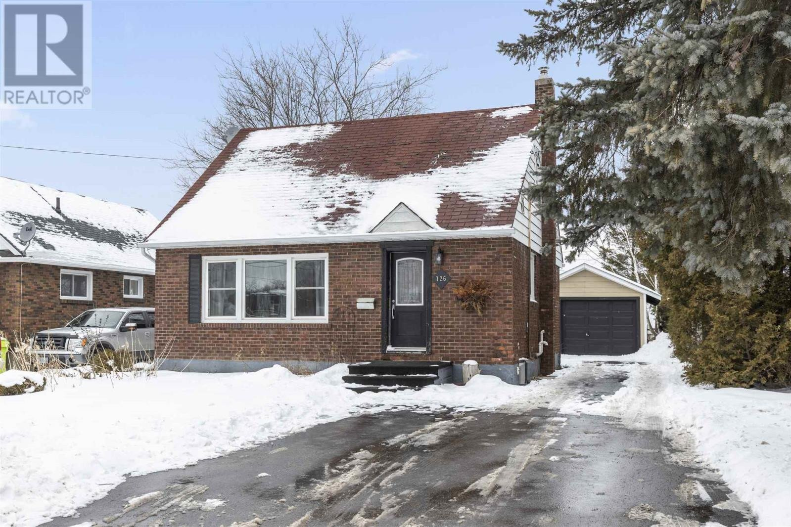 House for sale at 126 Macdonald Ave Sault Ste. Marie Ontario - MLS: SM130361