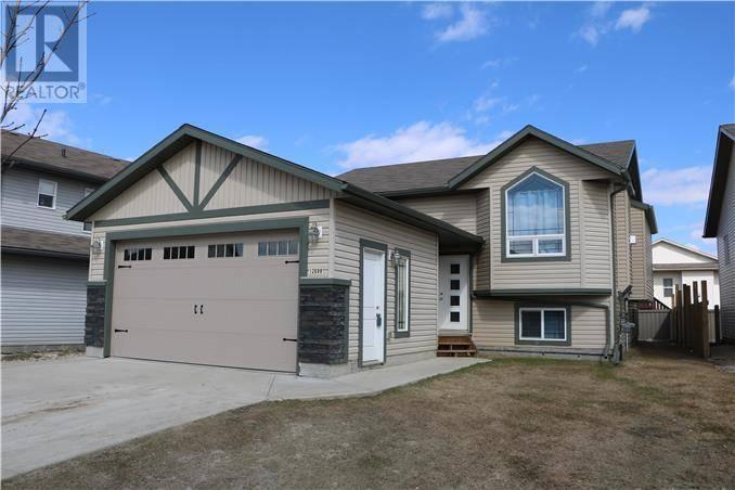 Townhouse for sale at 12609 103b St Grande Prairie Alberta - MLS: L123789
