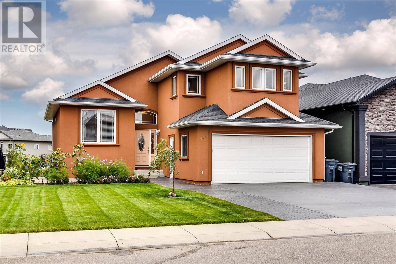 House for sale at 127 Bennion Cres Saskatoon Saskatchewan - MLS: SK790660