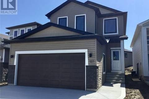 House for sale at 127 Burgess Cres Saskatoon Saskatchewan - MLS: SK771874
